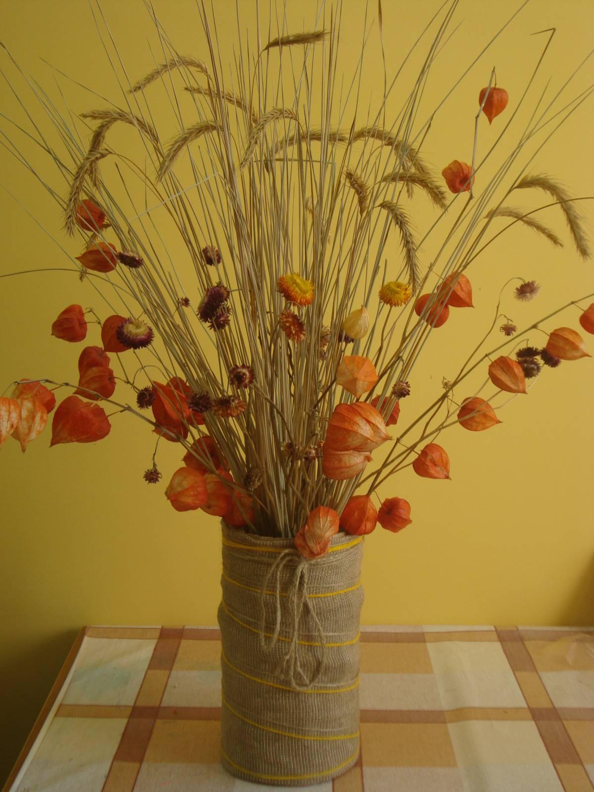 Поделка из цветов сухих 409